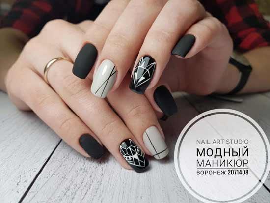 геометрии на черно-белых ногтях