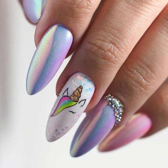 единорог на разноцветных ногтях
