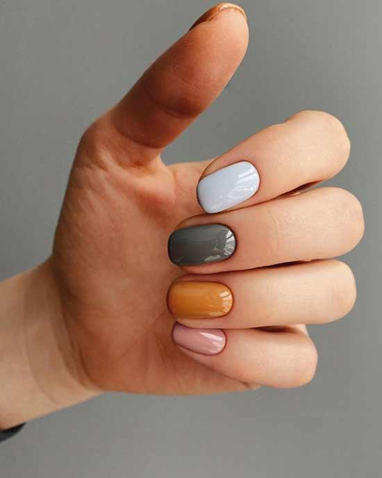 разноцветный маникюр на ногтях