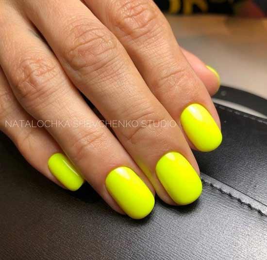 Желтый неоновый маникюр короткие ногти