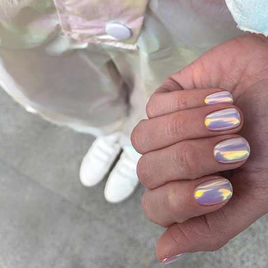 голографика на ногтях