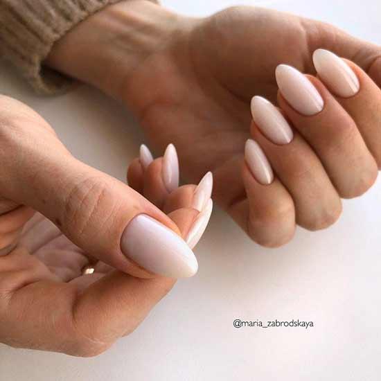 стильный маникюр на ногтях