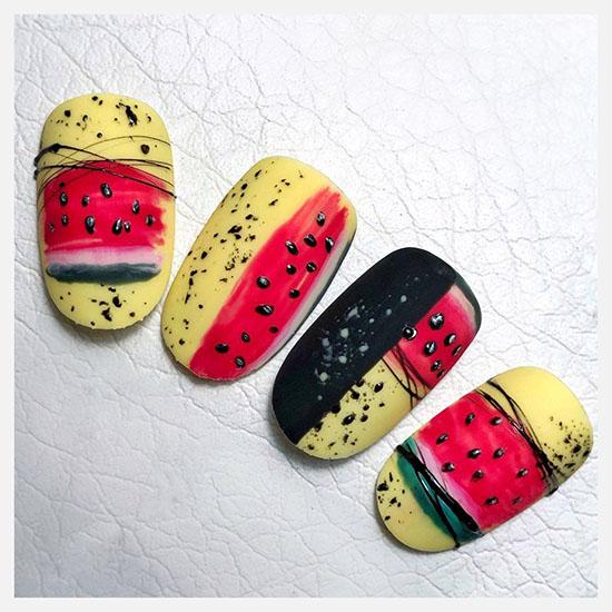 маникюр с фруктами