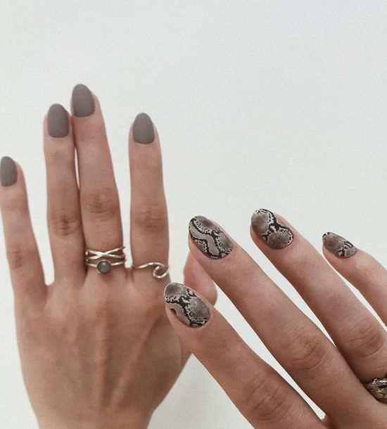 """Маникюр """"разные руки"""" 2021: 100 фото, идеи дизайна ногтей"""