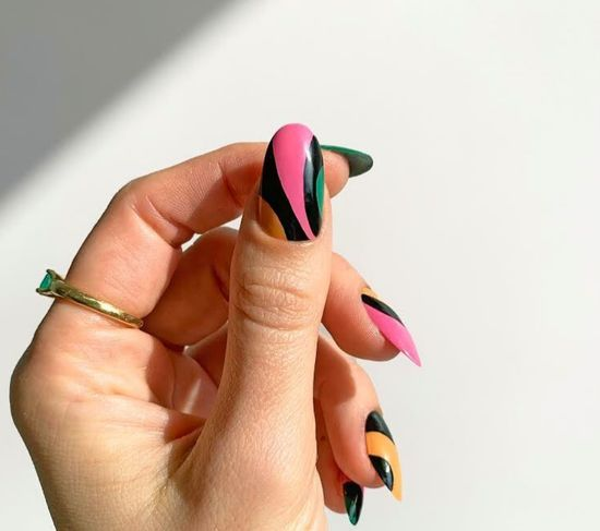 Розовый маникюр 2021: новые фото дизайна, стильные идеи