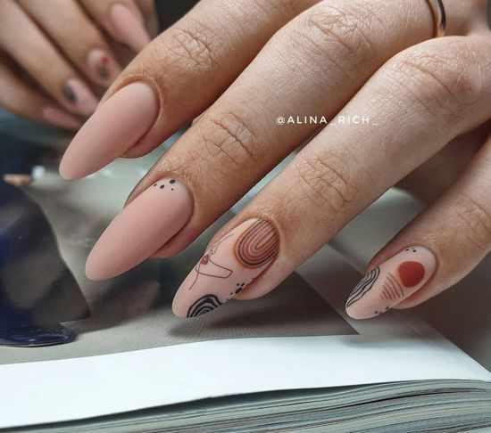 Бежевый маникюр 2021: фото новинки, идеи модного дизайна