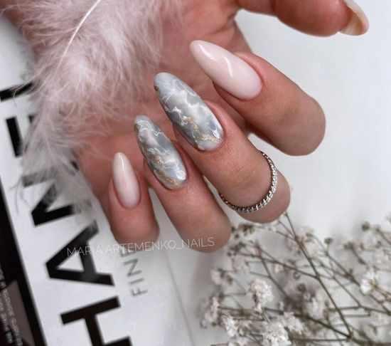 Серый маникюр 2021: модные тенденции и красивые идеи