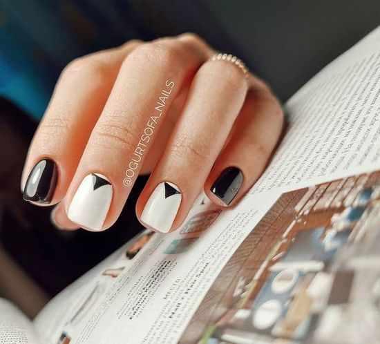 Черно-белый маникюр 2021: новинки, красивый дизайн